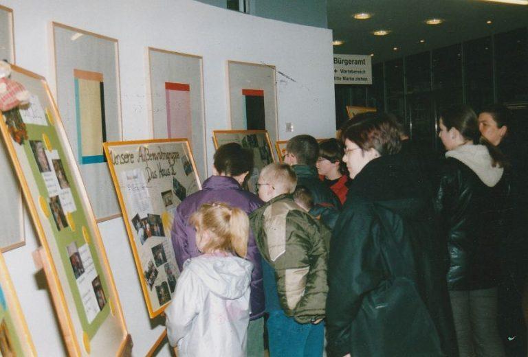 q 2003_AusstellungRathaus